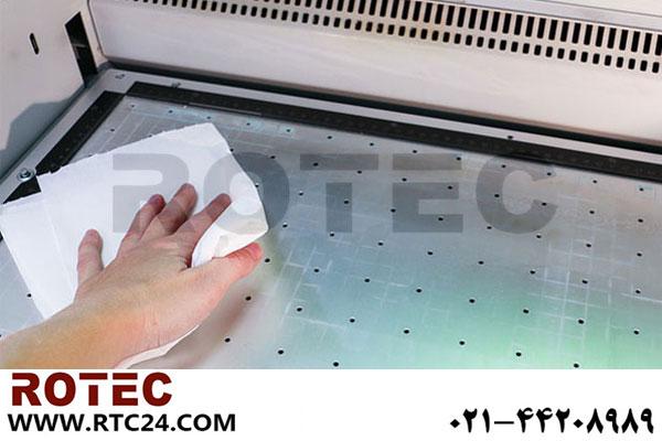 تمیز کردن گرد و غبار حکاکی از دستگاه لیزر
